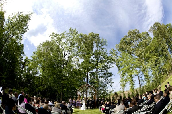 A wedding on the Ceremony Grounds at Potomac Point