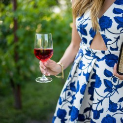 wine-tasting-outfits